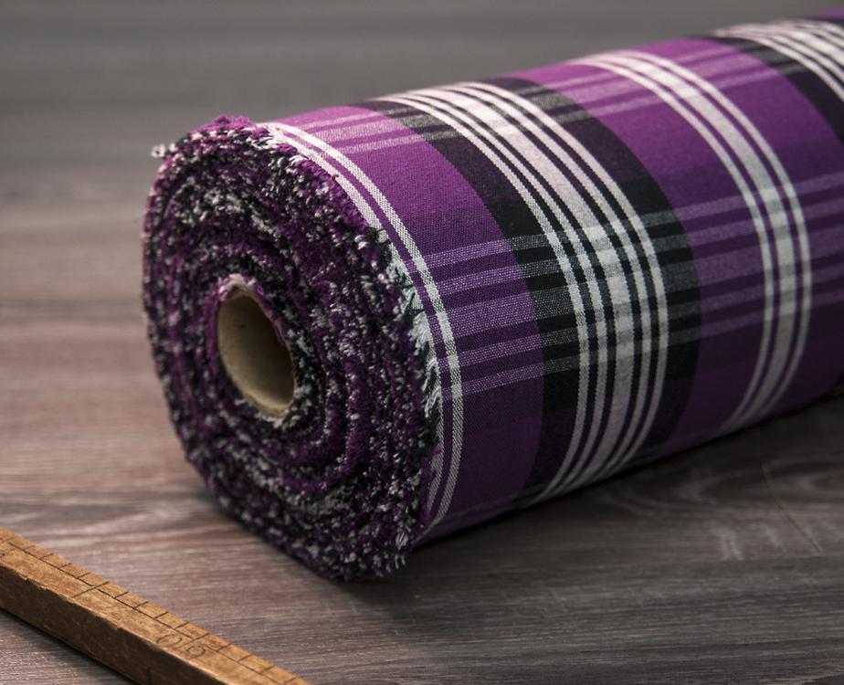 toile au m tre coton carreaux prune noir. Black Bedroom Furniture Sets. Home Design Ideas