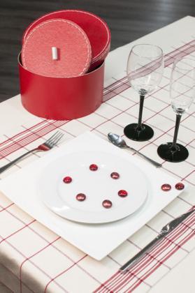 chemin de table carreaux rouge