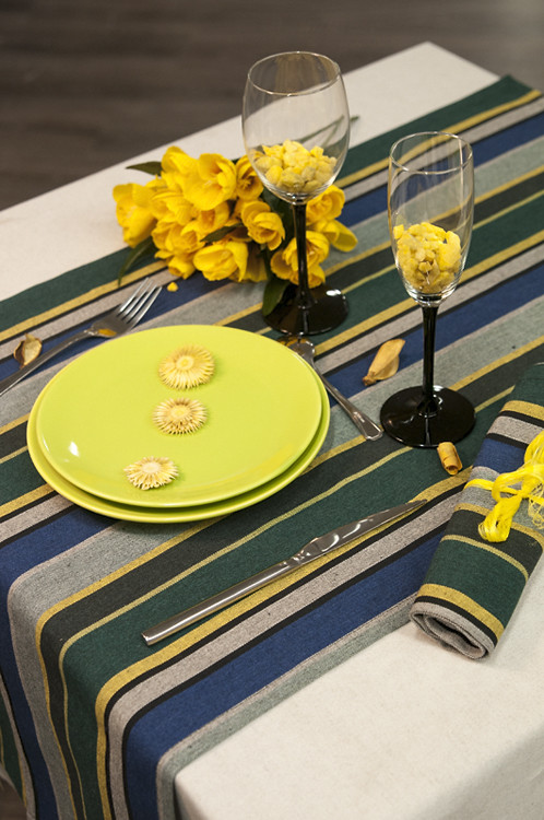 chemin de table vert 100 coton fabriqu en france. Black Bedroom Furniture Sets. Home Design Ideas
