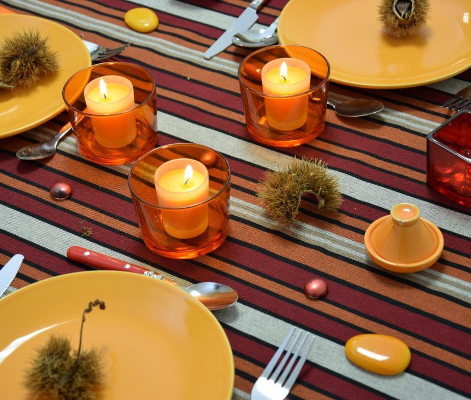 nappe de table bleu bordeaux en coton. Black Bedroom Furniture Sets. Home Design Ideas