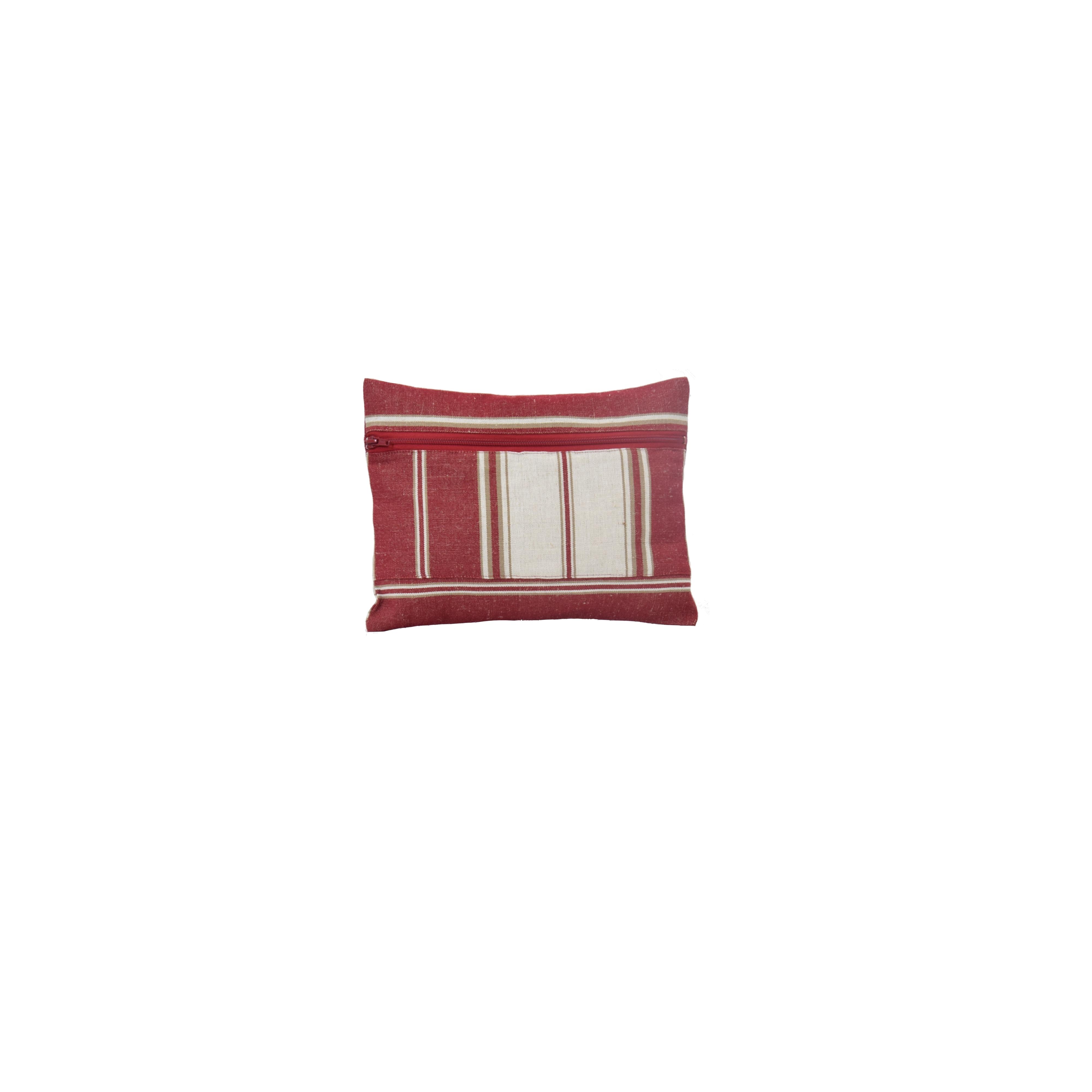 trousse de toilette en tissu rouge fabriqu en france. Black Bedroom Furniture Sets. Home Design Ideas