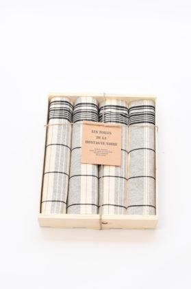 coffret-4-serviettes-de-table-matelas-noir